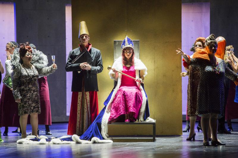 Katia Pellegrino's Abigaille claims the Babylonian throne in Nabucco